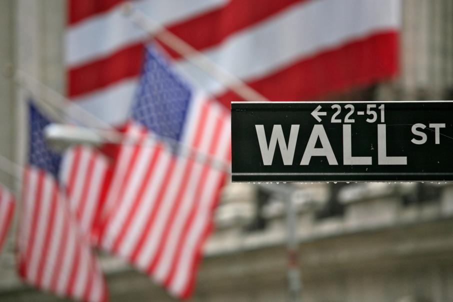 Global stocks slip for third day straight